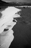 死亡沙丘豆科灌木山沙子谷 库存照片