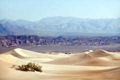 死亡沙漠横向山谷 免版税库存图片