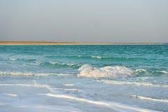 死海在多云天气的晚上 免版税图库摄影
