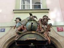 残忍的剧院标志,牵线木偶剧院,布拉格,捷克 免版税库存照片
