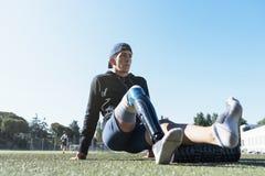 残疾人运动员画象有腿假肢的 免版税库存照片