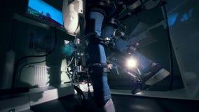 残疾在医院病房里男服矫形设备 4K 影视素材