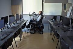 残疾学生在教室 免版税图库摄影
