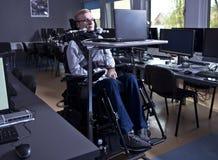 残疾学生在教室 免版税库存照片
