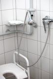 残疾淋浴洗手间 图库摄影