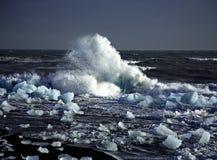 残破的冰山 库存照片