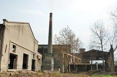 残破的工厂 免版税图库摄影
