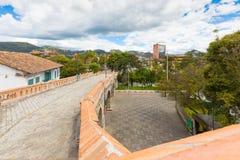 残破的桥梁全景昆卡省厄瓜多尔 免版税库存照片