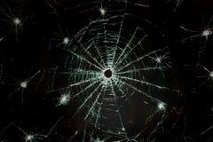 残破的汽车玻璃挡风玻璃 免版税库存图片