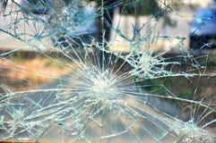 残破的玻璃详细资料背景 免版税库存图片