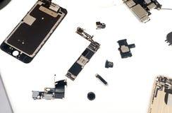 残破的苹果计算机MacBook iPad 免版税库存照片