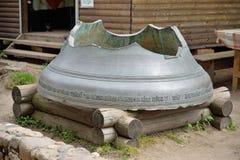 残破的响铃, Uspensky Svyatogorsky修道院, Pushkinskaya S 库存照片