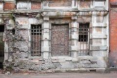 残破的房子 免版税库存照片