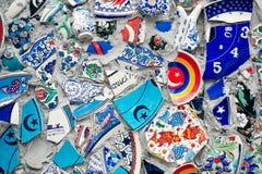 残破的瓦片墙壁马赛克在伊斯坦布尔, 库存图片