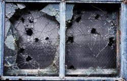 残破的窗口 免版税库存图片