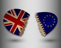 残破的蛋壳欧洲和英国旗子 免版税库存照片