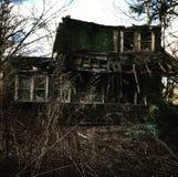 残破的被放弃的房子 库存照片