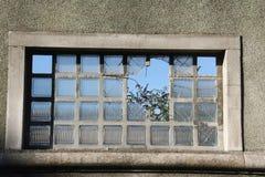 残破的视窗 免版税库存照片