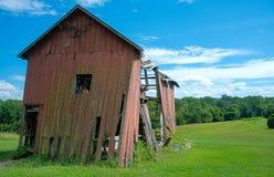 残破的谷仓 库存照片