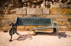残破的长凳 免版税图库摄影