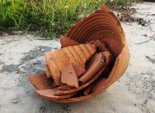 残破的陶器 库存照片