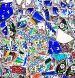残破的陶瓷的马赛克样式 免版税库存照片
