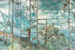残破的玻璃瓦片的样式在墙壁上的 图库摄影