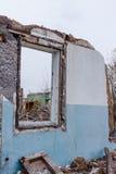 残破的玻璃窗废墟 图库摄影