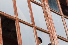 残破的玻璃窗废墟 库存图片