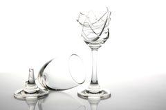 残破的玻璃酒 免版税库存照片