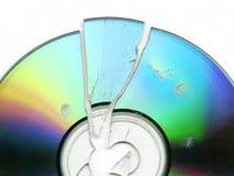 残破的CD的dvd 库存图片