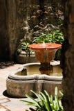 殖民地喷泉 免版税库存图片