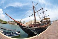 殖民地小船 免版税图库摄影