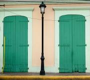 殖民地建筑学在圣地亚哥de los Caballeros 库存图片