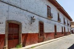 殖民地建筑学在Patzcuaro墨西哥 库存照片