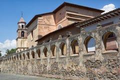 殖民地建筑学在Patzcuaro,墨西哥 免版税库存照片
