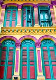殖民地建筑学样式Shophouses在新加坡唐人街 免版税图库摄影