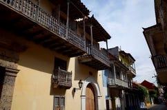 殖民地样式阳台在卡塔赫钠 免版税图库摄影