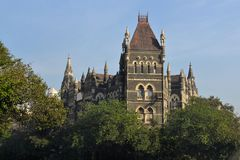 殖民地建筑学Elphinstone学院,孟买 库存图片