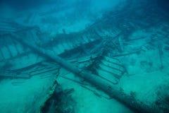 击毁船的老零件 图库摄影