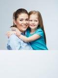 母亲和女儿容忍 有孩子女孩的女商人 Iso 库存照片