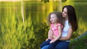 母亲和女儿 家庭时间 影视素材