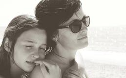 母亲和女儿 黑色白色 照片 库存照片