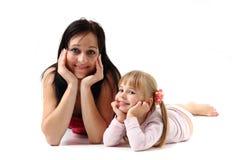 母亲和她的doughter 免版税库存图片