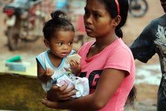 母亲和孩子在Coron 库存图片
