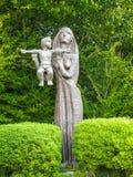 母亲和孩子由增殖比约瑟夫麦克纳利 库存照片
