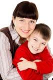 母亲轻轻地拥抱他的婴孩 库存图片