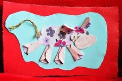 母牛。Aplique工作手工制造由孩子 免版税库存照片
