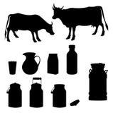 母牛和牛奶黑剪影 库存图片