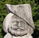 母牛花盆滑稽的庭院雕象 免版税图库摄影